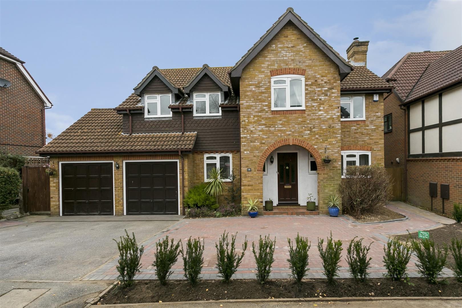 5 Bedrooms Detached House for sale in Russett Close, Aylesford